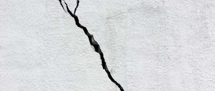 Diagonal Cracks